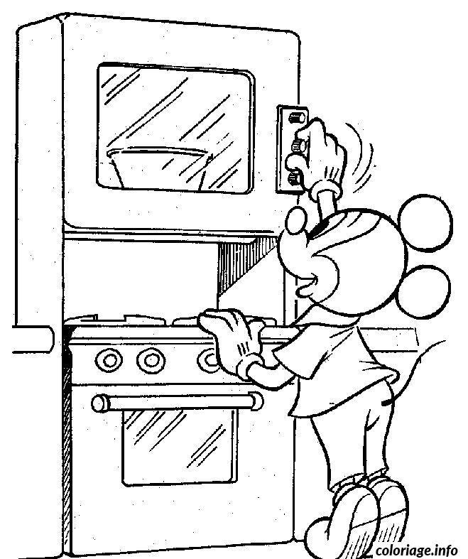 Dessin Mickey allume son four Coloriage Gratuit à Imprimer