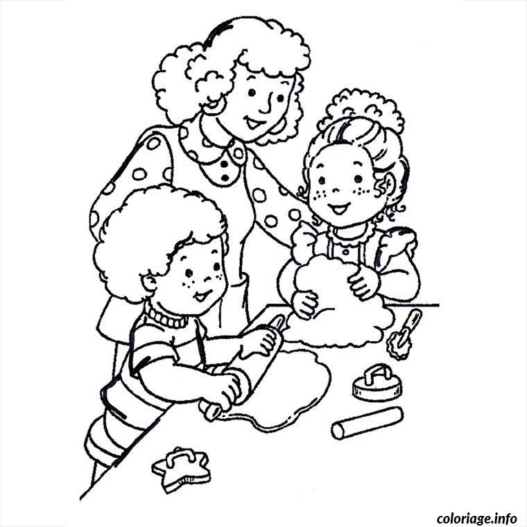 Coloriage maman enfants cuisinent - Coloriage de maman ...