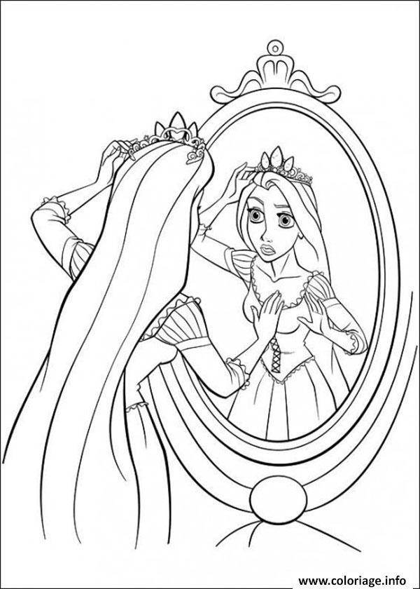 Dessin Rapunzel Raiponce se regarde au miroire Coloriage Gratuit à Imprimer
