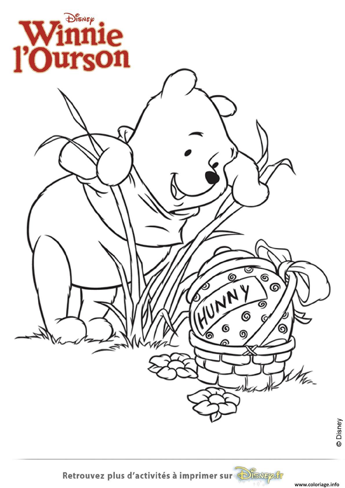 Coloriage Winnie Ourson Trouve Un Gros Oeuf dessin