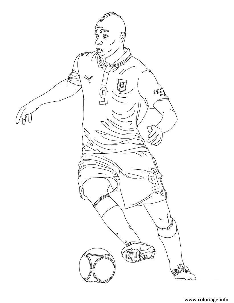 Coloriage mario baloteli joueur de foot dessin - Dessin equipe de foot ...