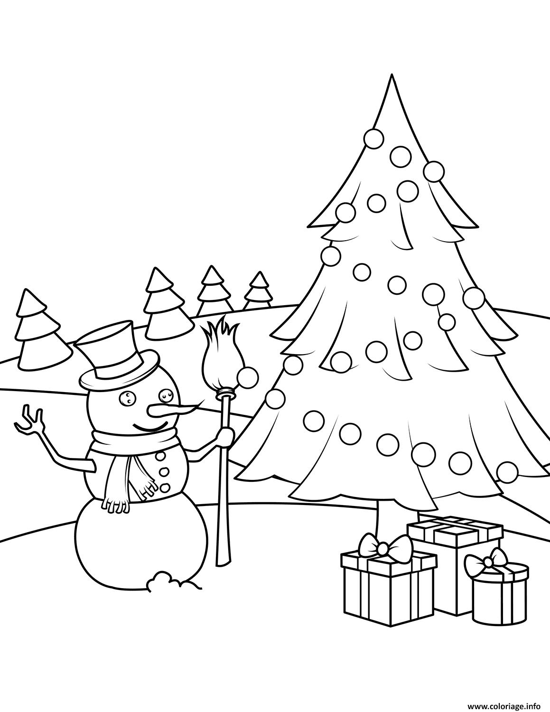 Coloriage Bonhomme De Neige Avec Un Sapin Et Des Cadeaux De Noel Dessin