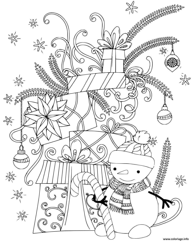 Coloriage bonhomme de neige avec des cadeaux de noel - JeColorie.com