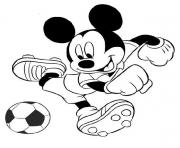 Mickey joue au foot dessin à colorier