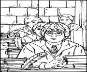 Harry en classe a Poudlard dessin à colorier