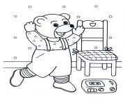 Coloriage Petit Ours Brun joue avec ses jouets dessin