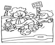 enfants jouent dans un terrain de foot dessin à colorier