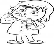 un enfant boit de leau dessin à colorier