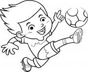un enfant joue au foot pour devenir joueur professionnel dessin à colorier