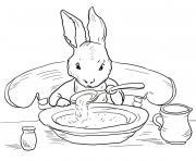 pierre lapin mange une soupe pour reprendre des forces dessin à colorier