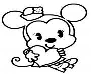 minnie mouse avec un coeur en chocolat dessin à colorier