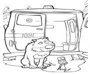 masha le medecin pour soigner un loup pres de son ambulance dessin à colorier