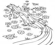 princesse se couche sur un champ de fleurs pour respirer la nature dessin à colorier